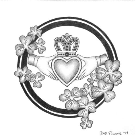 celtic ring tattoo designs best 25 claddagh ring ideas on