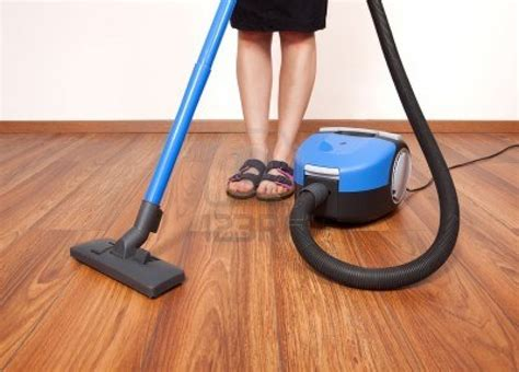 choose low noise vacuum cleaner to clean the floor