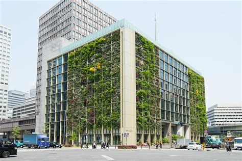 Glorious green office in Tokyo a showpiece for urban