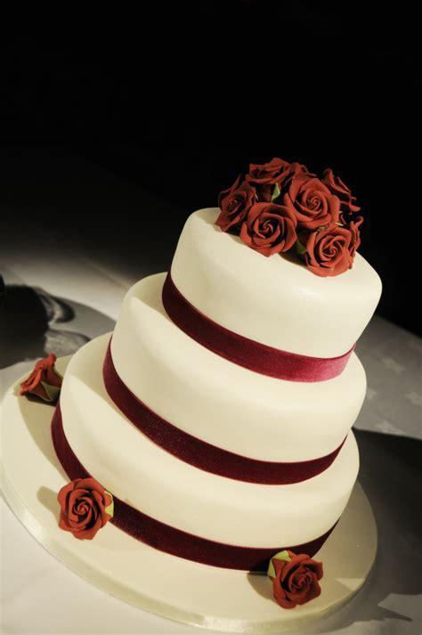 How to Choose the Best Wedding Cake Designs   BlogLet.com