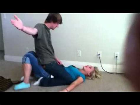 how can a woman get girl gets beat up youtube