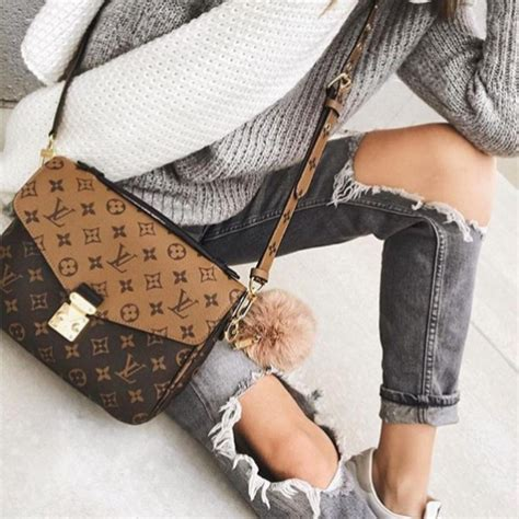 Lv Metis Pochete Semprem bag versus designer messenger flap bags spotted fashion