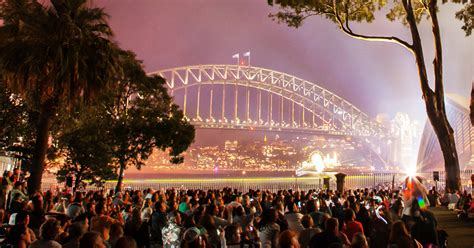 Botanical Gardens Nye Royal Botanic Garden Lawn With The View Sydney New Year S