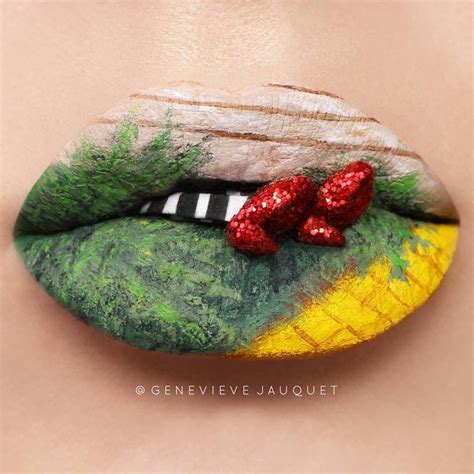 pakai lipstik  lukisan indah  bibir  bikin kamu