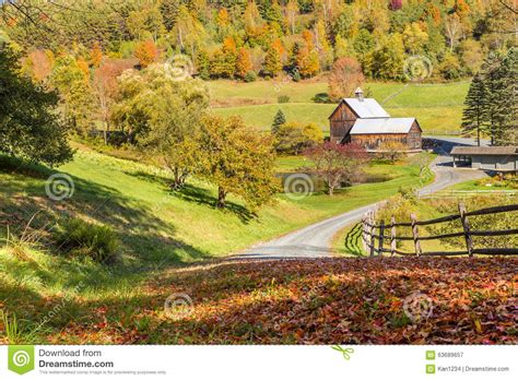 House Plans New England Old Barn In Beautiful Vermont Autumn Landscape Stock Photo