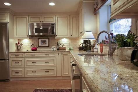 fresh contemporary kitchen backsplash gallery 7558 santa cecilia granite countertops for a fresh and modern
