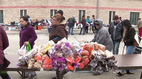 food pantry receives surplus supplies from san antonio