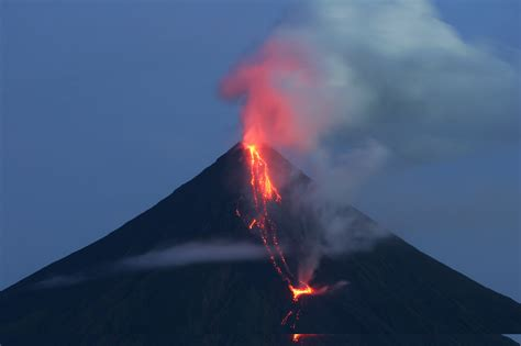 Volcano L by Philippine Volcano Spews Lava Thousands Evacuated