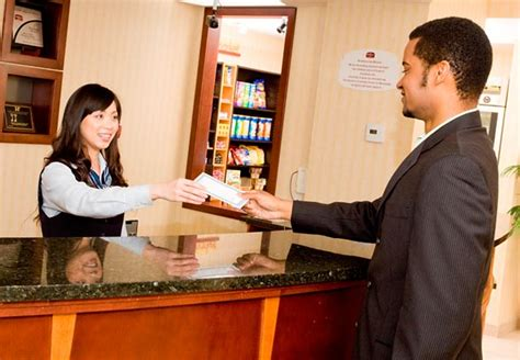 hotel front desk customer service