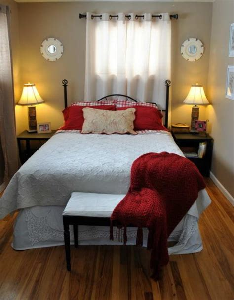 decorating a small bedroom 4 smart tips to decorate small bedrooms bedroom