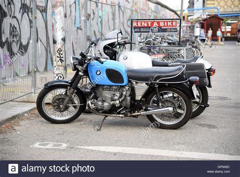 Alte Motorräder Mieten by Old Bmw Motorbike Stockfotos Old Bmw Motorbike Bilder