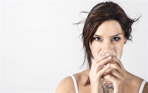 andare spesso in bagno contro la cistite bevete acqua di fiuggi il su