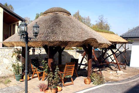 strohdach pavillon blockhaus bauen gartensauna gartenh 228 uschen und