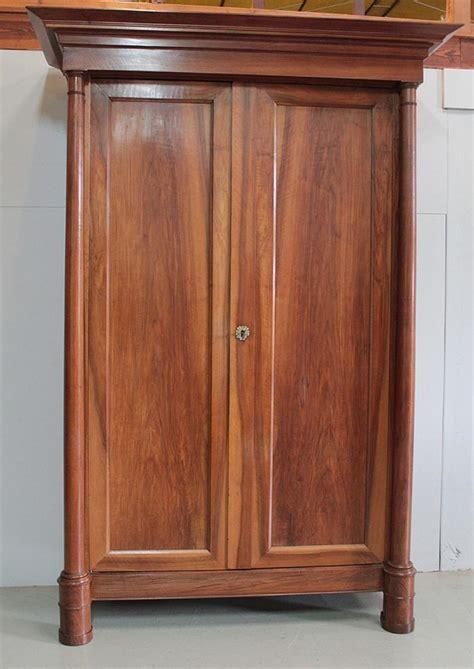 grandes armoires armoires anciennes antiquites en