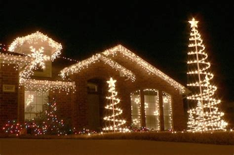 sauganash christmas lights jolly trolley to take tour of lights friday edgebrook chicago dnainfo