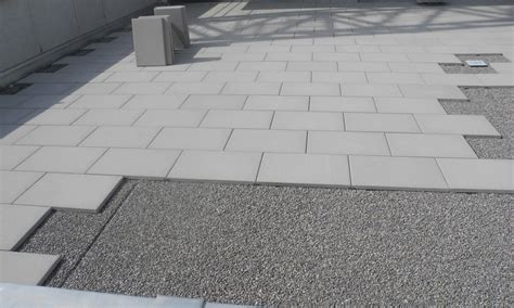 bodenplatten garten verlegen ihr spezialist f 252 r terrassenplatten selmanaj gartenbau