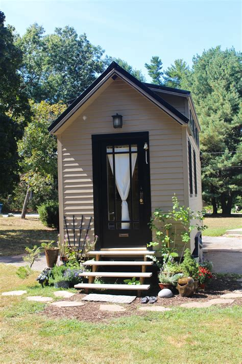 mini homes tiny hall house