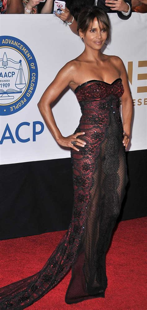 Find On Through Halle Berry No In See Through Gown Viewers Find Archives Imadeufamous