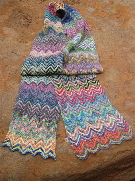zickzack scarf pattern you have to see zickzack scrappy scarf by trailridr24