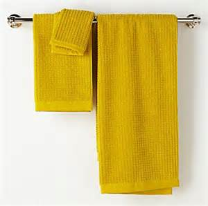 yellow towels decor by color