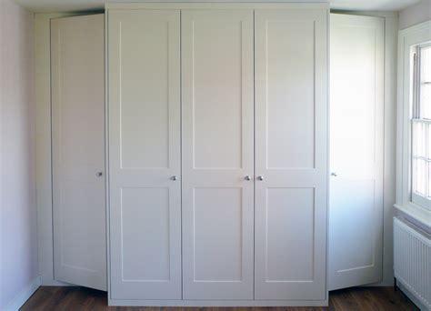 Shaker Wardrobe Doors by Hinged Wardrobe Doors Wooden Photo Album Woonv