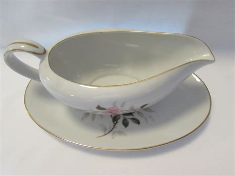 gravy boat plate contour china gravy boat under plate picardy japan