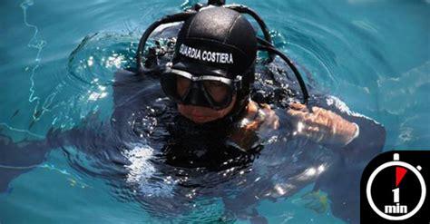 tavole di marea napoli incidente pescasub muore un 43enne nelle acque di un