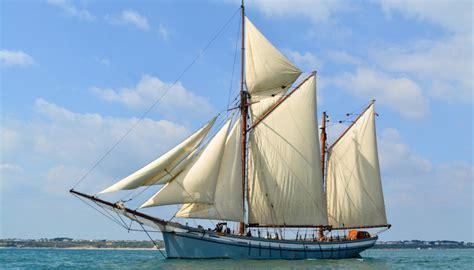 sailing boat in the sea we love beautiful classic boats tall ships classic sailing