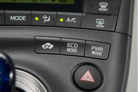 Toyota Prius Power Mode 30 Days Of The 2010 Toyota Prius Day 5 The 10 Best Things