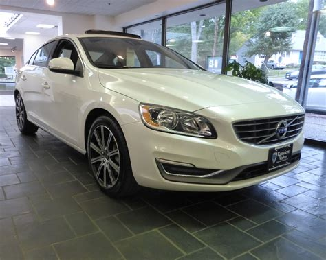 S W A T Black Leather Black White volvo image gallery 2016 volvo s60 t5 awd inscription