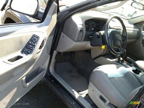 jeep grand laredo interior 2004 jeep grand laredo 4x4 interior color photos