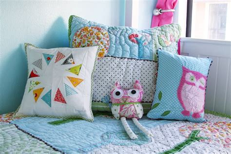 Handmade Pillow Ideas - pillows and cushions as a part of home decor interior