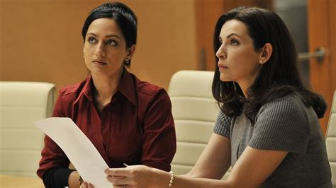 does julianna margulies hate archie julianna margulies vs archie panjabi the good wife