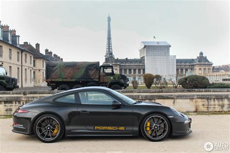 porche in french this french porsche 911 r has an amazing color spec