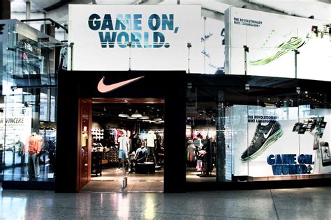 official store nikecom nike store platform floor roma termini
