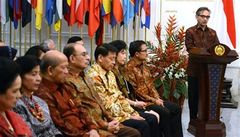 biography rocky gerung former minister indonesia should be conflict solver