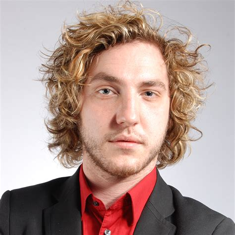 short comedian with long curly black hair seann walsh making the humdrum hilarious edinburgh