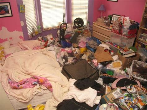 how to clean a hoarder room what makes start hoarding disposophobia hoarding hoarders from hell