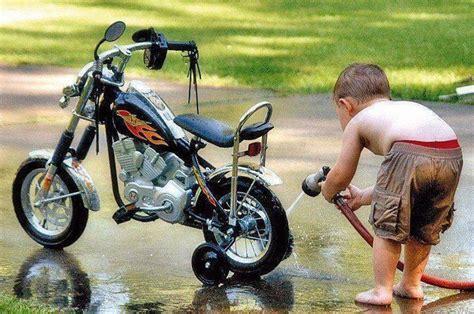 Motorrad Waschanlage by Bike Wash Children