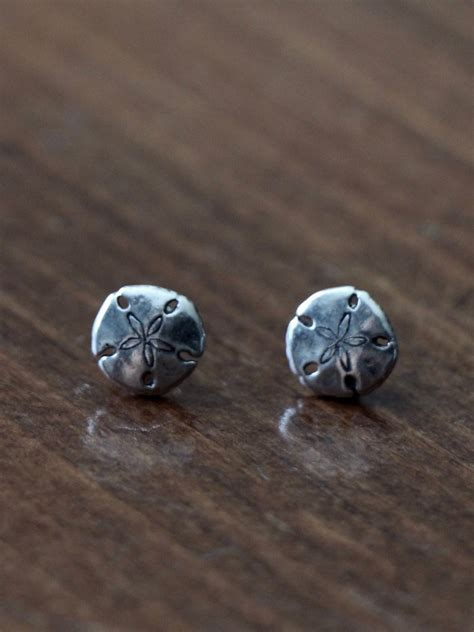 Sand Dollar Earring sand dollar sterling silver earrings kandsimpressions