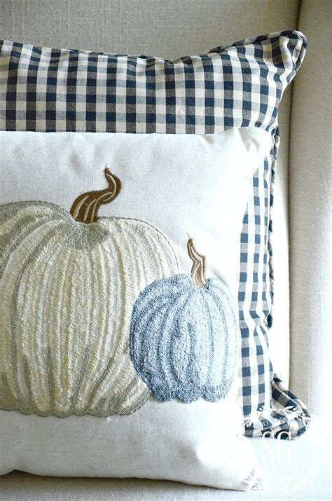 decorating with pillows fall pillow love decorating for fall with pillows
