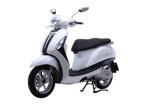 Suzuki Scooters New Launch New Yamaha 125cc Scooter Launch Today Zigwheels