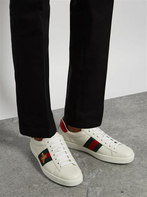 Sepatu Cewek Gucci Sneaker Ace Embroidered Leather Bee Putih Mirror O gucci ace bee embroidered low top leather trainers in white for lyst