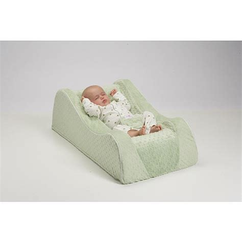 sleeping with baby in recliner 25 best ideas about nap nanny on pinterest baby sleep