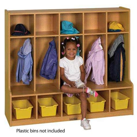 coat locker with bench features