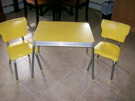 Childrens Kitchen Table Vintage Deco 1950 S Child S Formica Top Table Table And Chairs Kid And Chairs