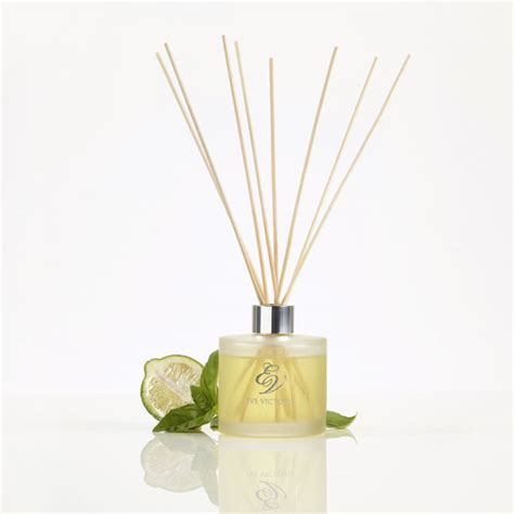 spruce sandalwood scented candles reed diffusers