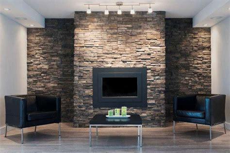 soggiorno con muro in pietra rivestimenti in pietra foto 17 40 design mag