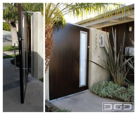 mid century modern architecture characteristics modern pivot gate with a flare of mid century