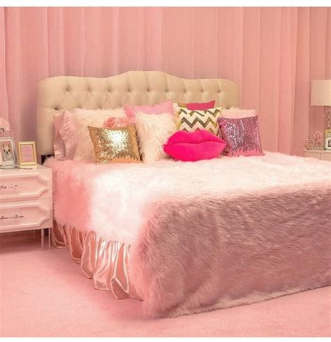 fluffy bedding home accessory bedding pink pink room pillow pink pillows fur fur blanket fur